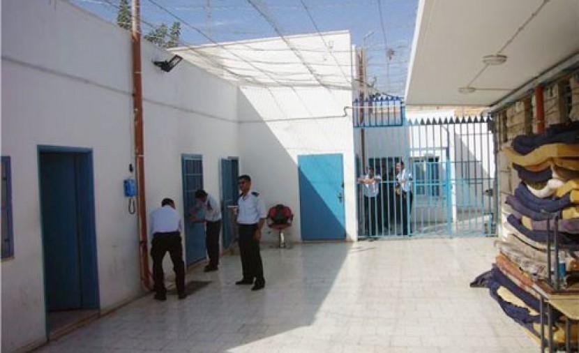 16أسيراً يواصلون إضرابهم المفتوح عن الطعام رفضاً لاعتقالهم الإداري..من هم؟
