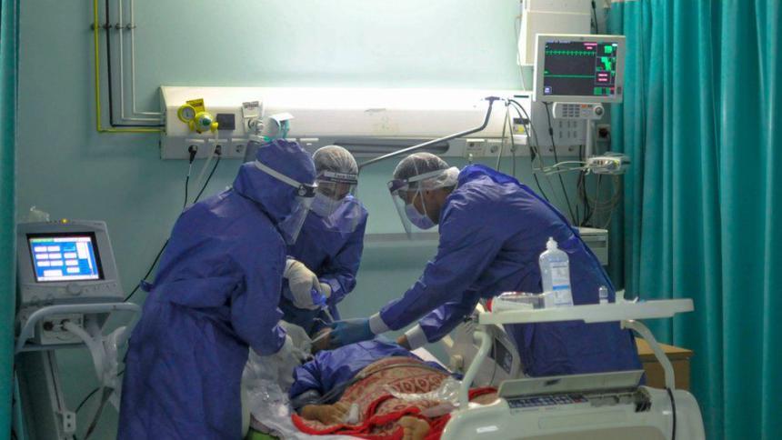 114 مصابا بكورونا في العناية المكثفة بينهم 28 موصولون بأجهزة التنفس الاصطناعي