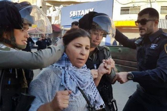الاحتلال يعتقل رئيسة المركز النسوي في مخيم شعفاط جهاد أبو زنيد
